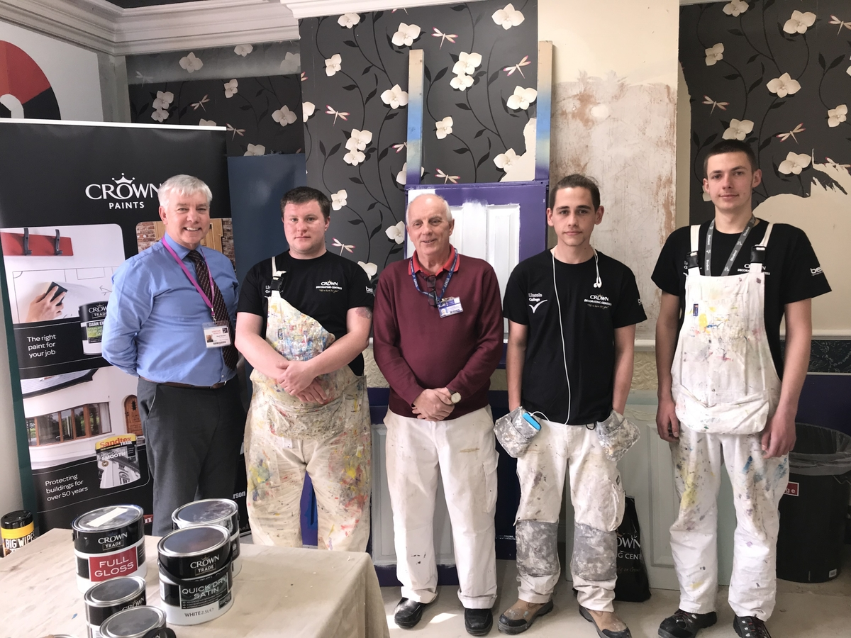 LINCOLN STUDENTS GET CONFIDENT WITH BELL DECORATING ACADEMY, painting