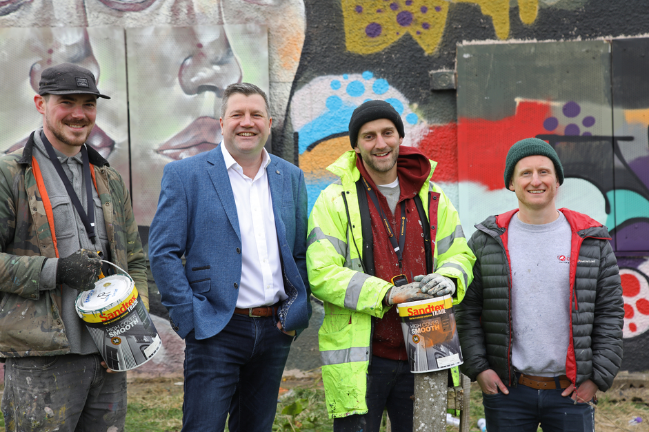 STREET ARTISTS PUT COLOUR BACK AT PRESTON ROAD, Hull