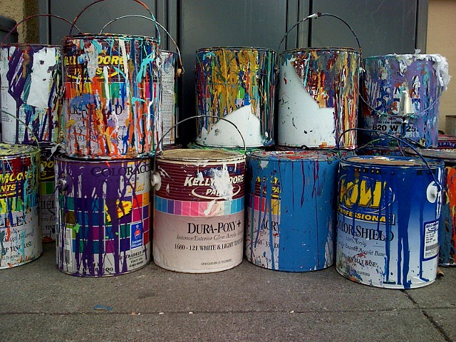 Do You Pour The Front or Back Of The Paint Tin, paint