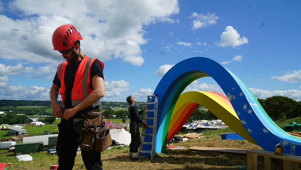 CROWN PAINTS THE RAINBOW OVER GLASTONBURY, Rainbow Scupture