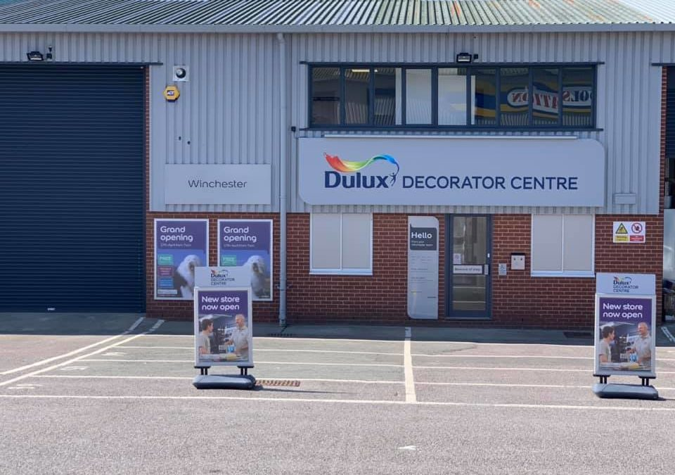 Dulux Crown Johnstone's Trade Paint Center