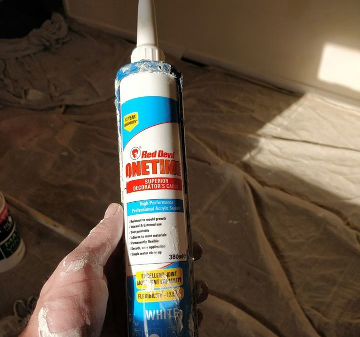 the best Interior and Exterior Caulk Review - OneTime