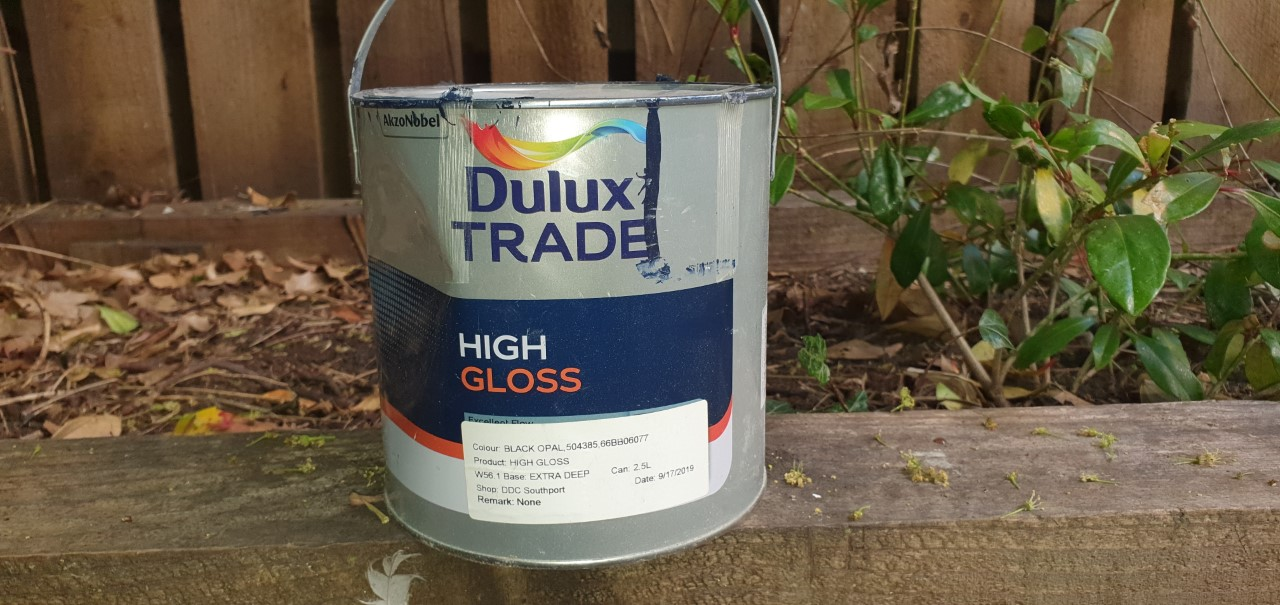 Dulux Trade High Gloss Review - an oil-based glossy product to be used inside