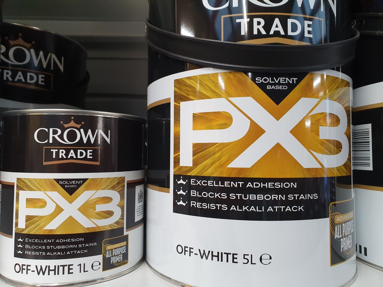 Professional decorator Ryan Fouger gives a full and honest review of Crown Trade PX3 which is readily available in most Crown Decorating Centres.