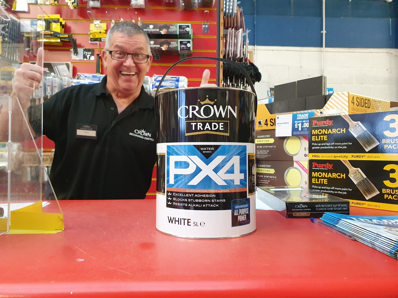 Professional decorator Ryan Fouger gives a review on Crown Trade PX4, a water-based adhesion primer and stain block in one product